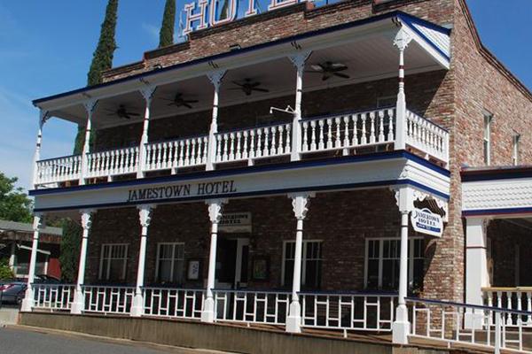 The Jamestown Hotel Visittuolumne